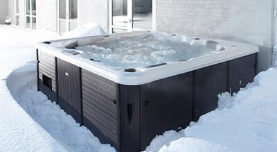 Außenwhirlpool im Winter von denform
